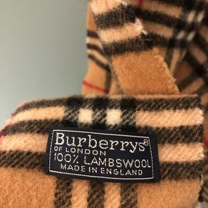 Classic Burberry Lambswool Scarf Vintage